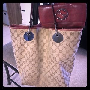 Gucci tote with matching wallet and coin purse